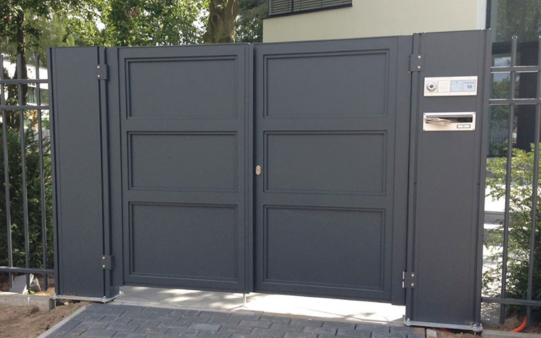 designertore in magdeburg latowo. Black Bedroom Furniture Sets. Home Design Ideas